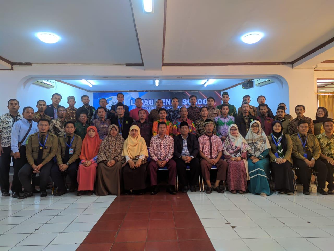 Waka Humas SMK Mutu ikuti Program K3SM Kunjungi Sekolah Unggulan di 3 Kota