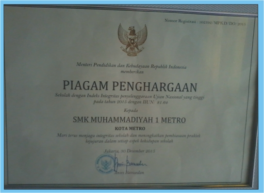 Piagam Penghargaan dari Kemendikbud