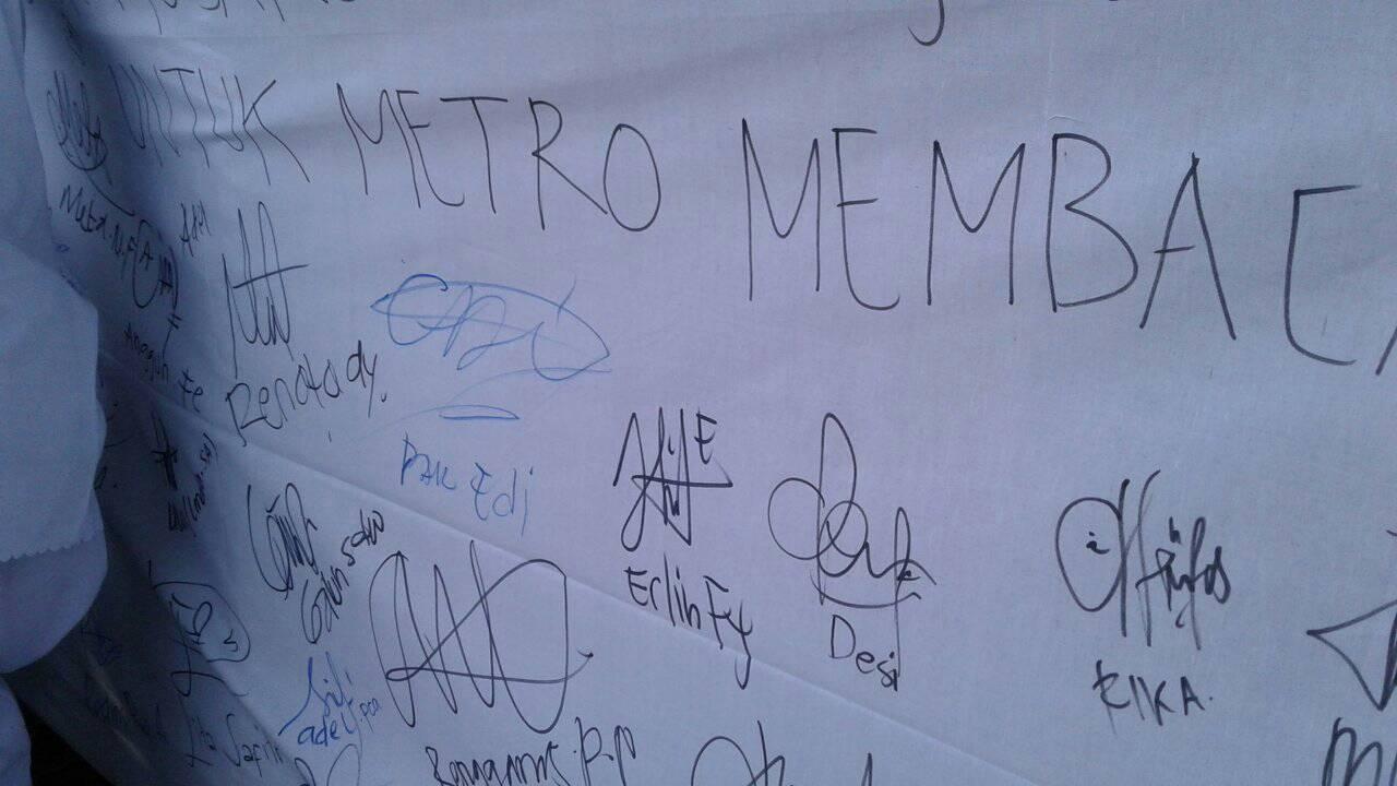 Lapak Baca SMK Mutu Peringkat 3 di Hari Kunjung Perpustakaan Daerah Kota Metro