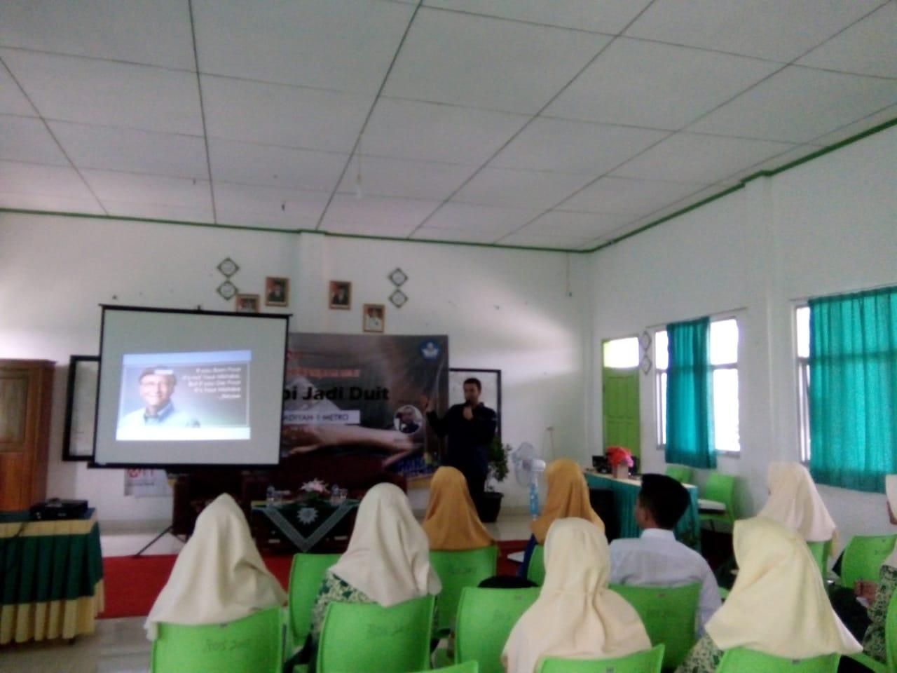 Calon Startup M1T Ikuti Seminar Technopreneur 'Ubah Hobi Jadi Duit'